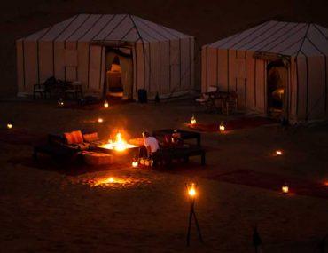 تخييم في الصحراء