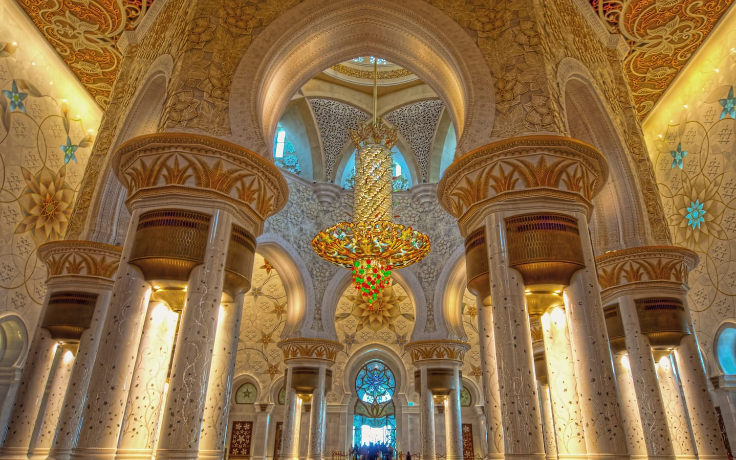 جامع الشيخ زايد من الداخل