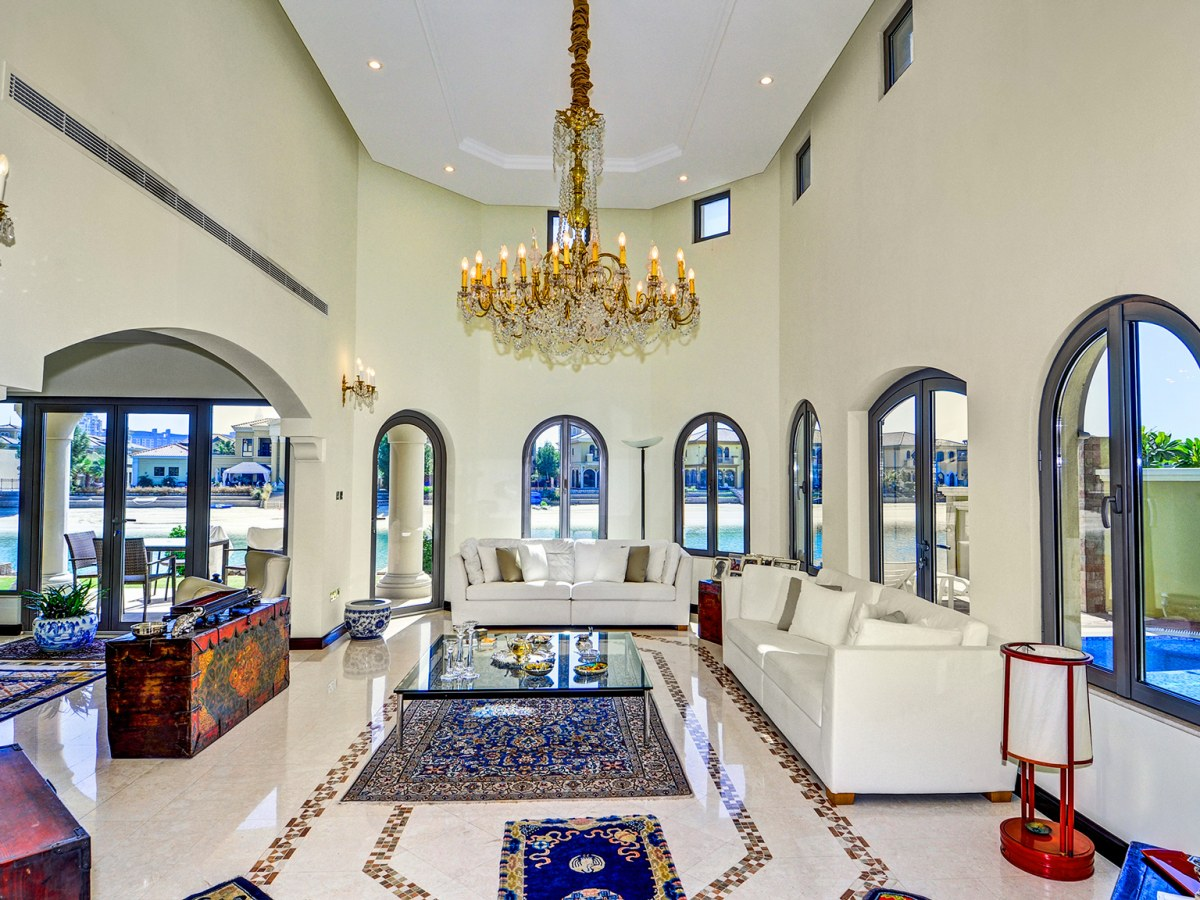 Garden Gallery villa with pool in Garden Homes Palm Jumeirah For Sale With Better Homes