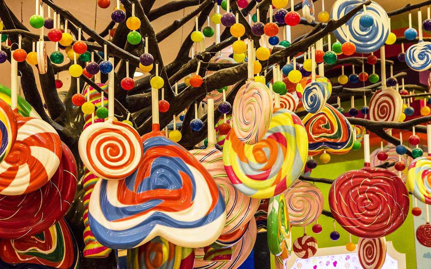the candy tree at Candylicious in Burj Khalifa