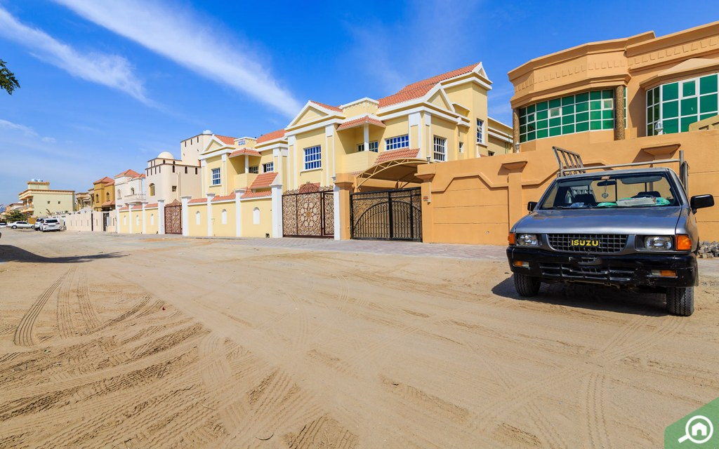 Those considering buying a villa in Ajman are attracted by the excellent value for money.