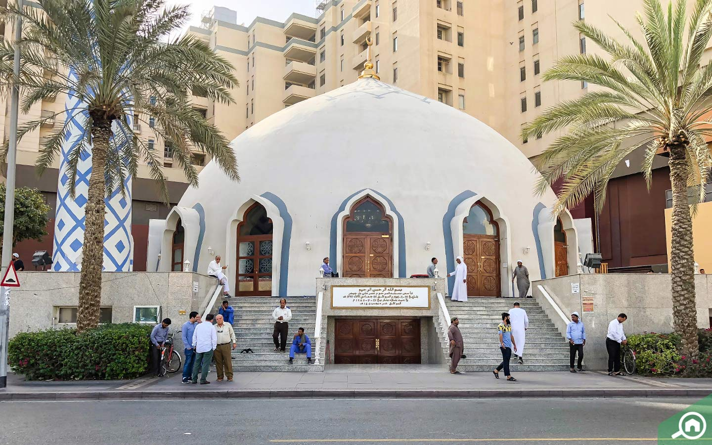 While living in Deira, you can offer prayer in the mosque.