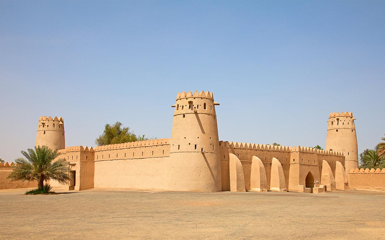 قلعة الجاهلي من الخارج