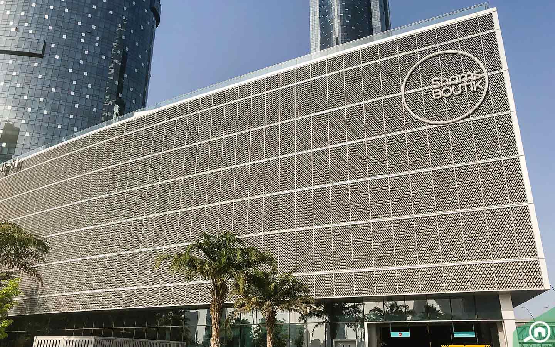 Exterior shot of Shams Boutik Mall by Bayut