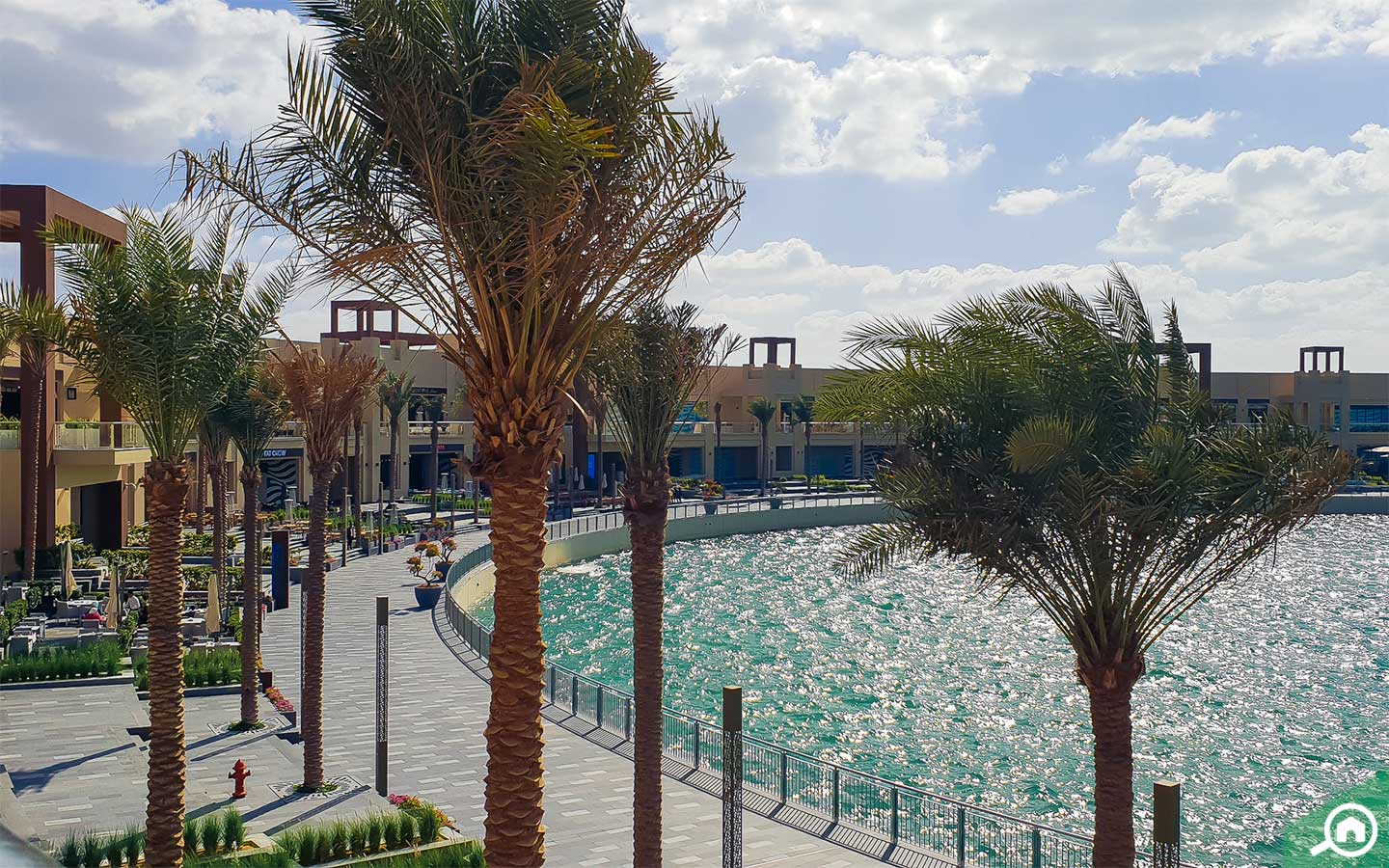 the new destination in palm jumeirah has fountains and beautiful walkways