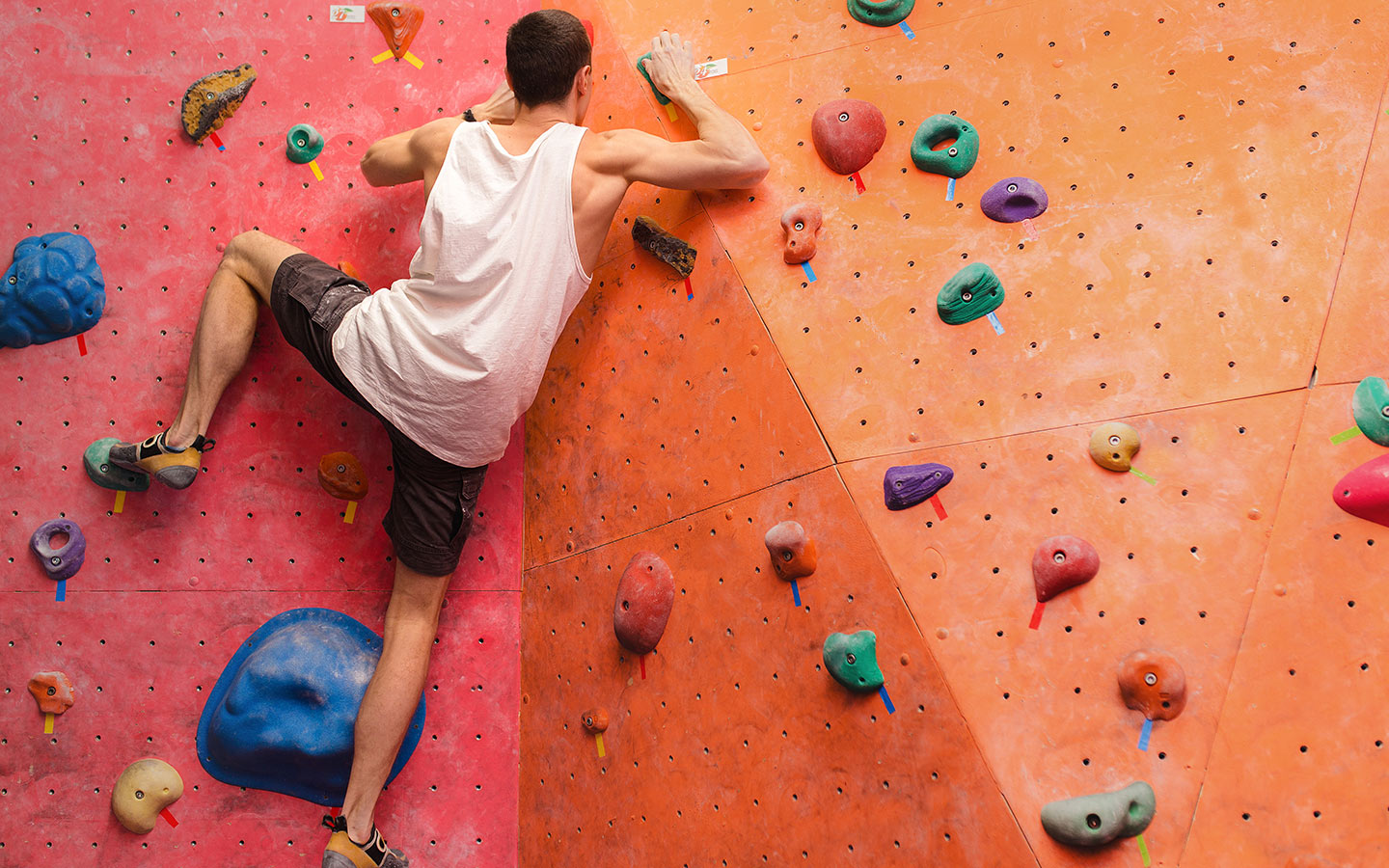 Bouldering is a great way to keep fit in Dubai