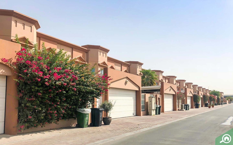 34 Lake Villa Compound - Compounds in Dubai for Rent