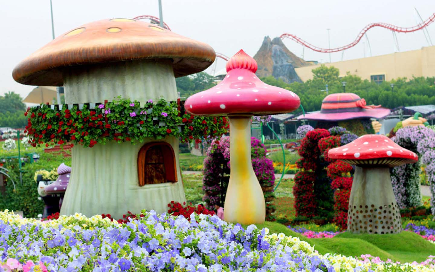 15 Unbelievable Attractions at Dubai Miracle Garden for ...