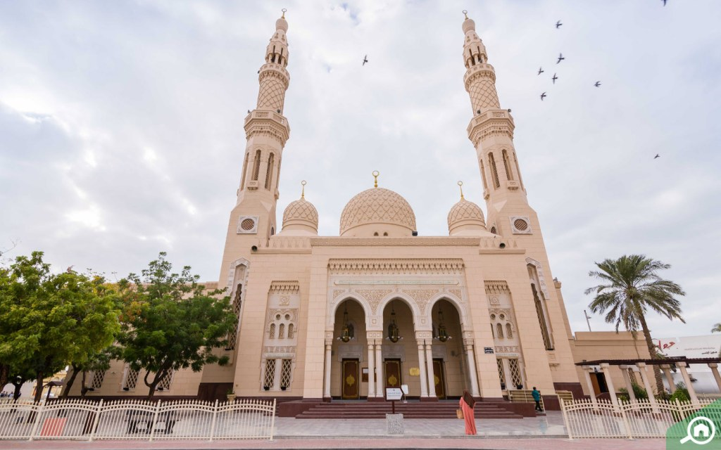 Jumeirah is the most beautiful mosque in Dubai