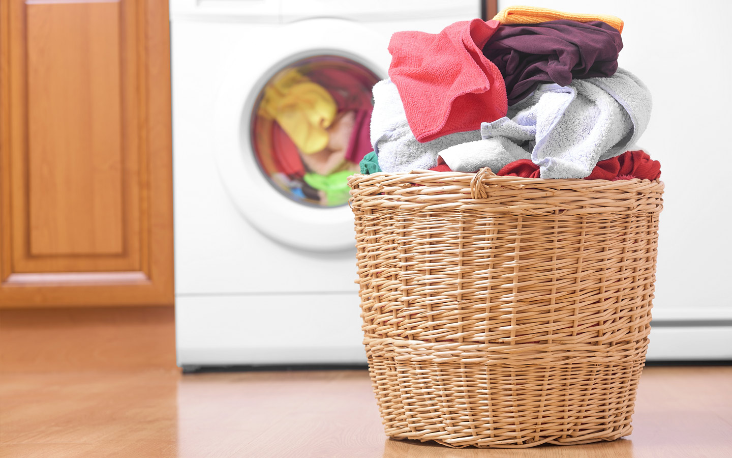 apps to improve your life, apps to make life more convenient, Washmen UAE