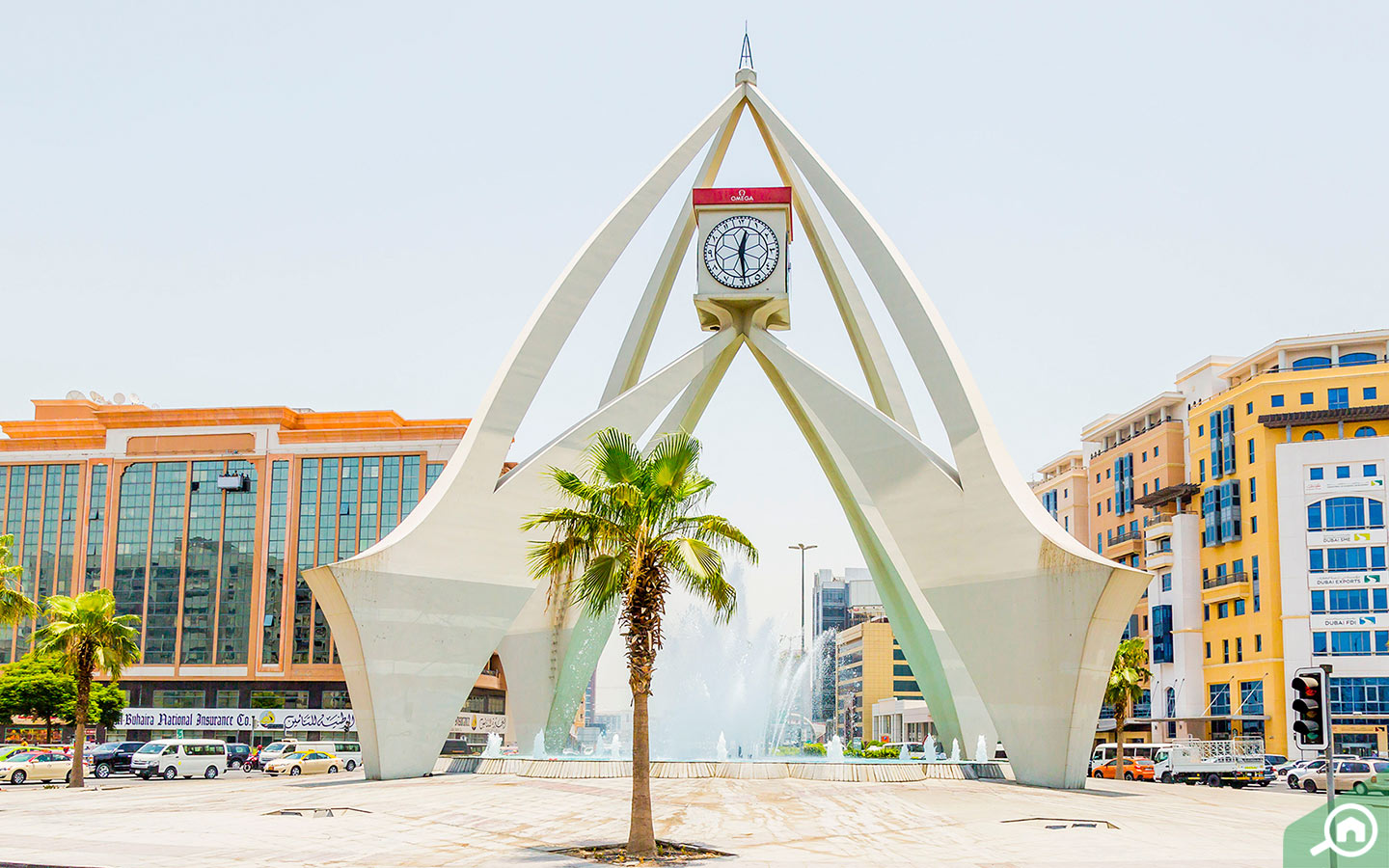 If you want to see the well-known monument of Dubai - the clock tower, living in Deira can be a great option.