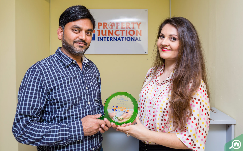 Umesh Goel, CEO of Property Junction, receives Bayut award