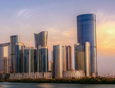 أبوظبي: السماح لغير المواطنين من التملك والتصرف العقاري في المناطق الاستثمارية