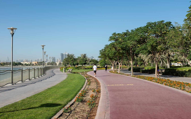 Al Barsha pond park running track