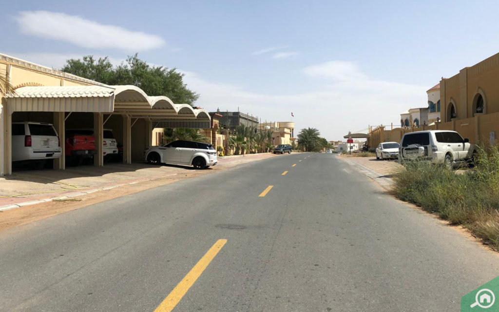 Street view of Al Dhait, which has rental villas in Ras Al Khaimah