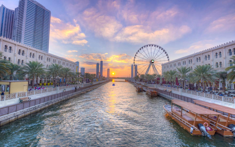 واجهة المجاز المائية وقناة القصباء الاماكن السياحية في الشارقة