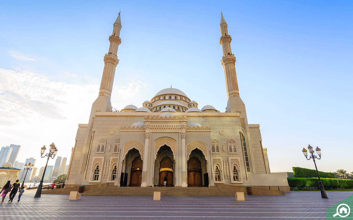 View of Al Noor Mosque, one of the free places to visit in Sharjah