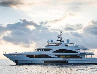 Yacht sailing in Dubai waters