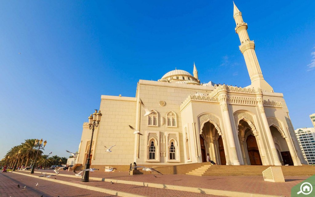 Al Noor Mosque is one of the best places to visit in Sharjah city