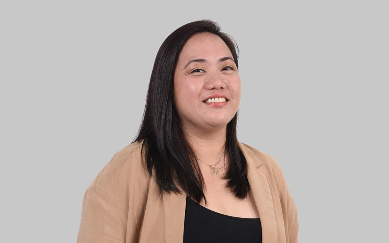آنا ماري سانتوس، المشرفة الإدارية في شركة بيتر هومز