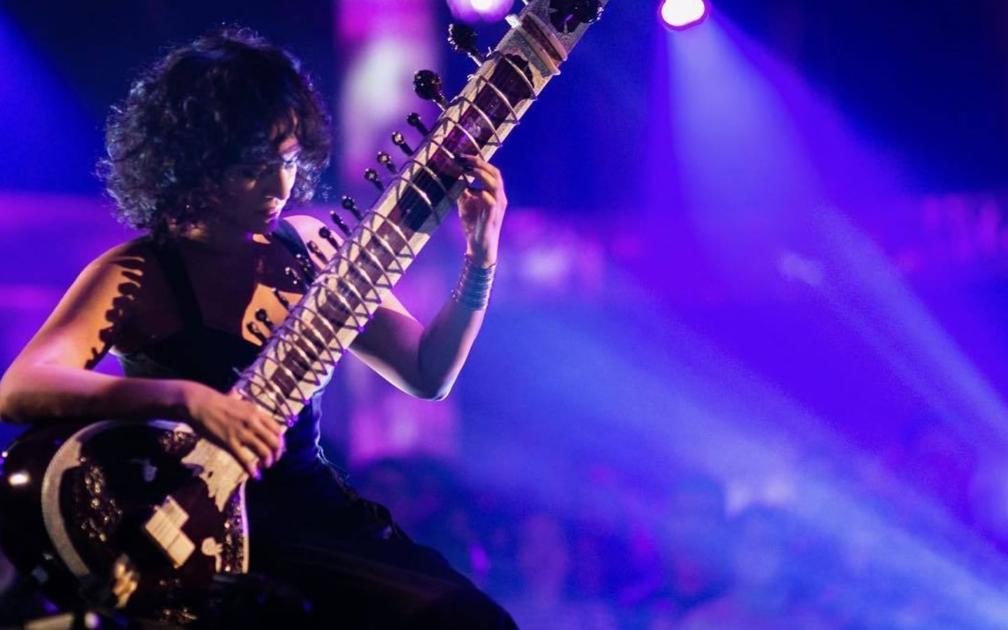Anoushka Shankar playing sitar on stage, performer at one of the upcoming Dubai Opera house upcoming events