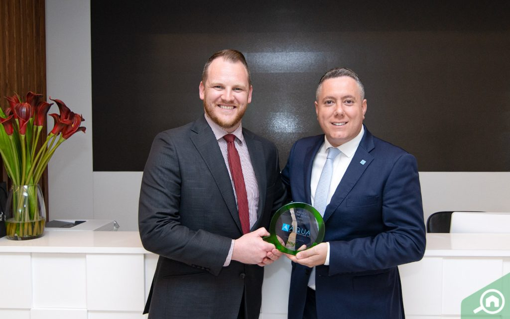 Paul Christodoulou, CEO of AQUA Properties agency in Dubai, receives award from Bayut