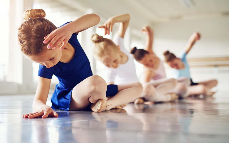 Kids learning about ballet dance in Dubai