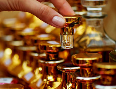 Best Arabic perfume shops in Sharjah Cover Image