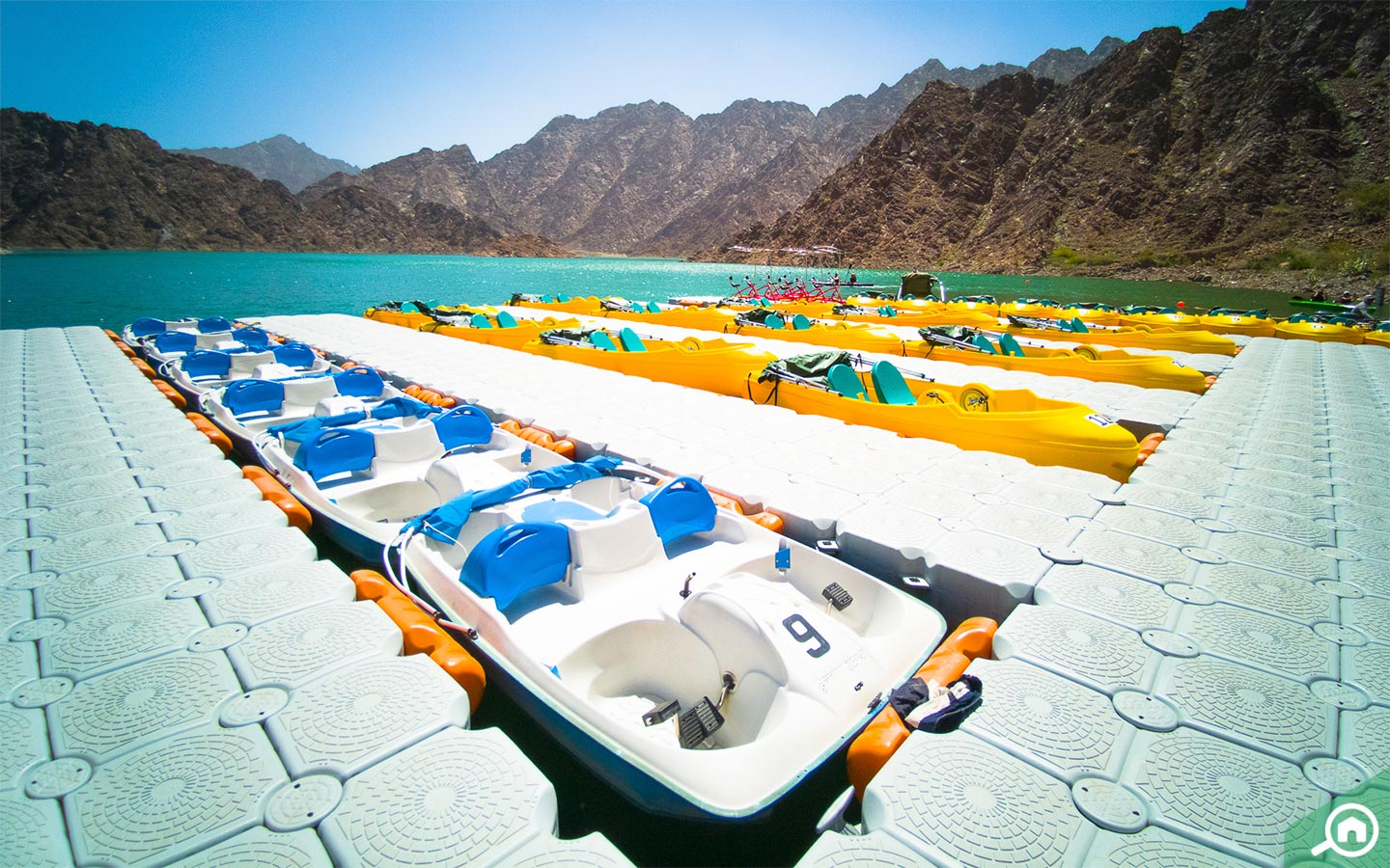 Boating and kayaking in Hatta Dam