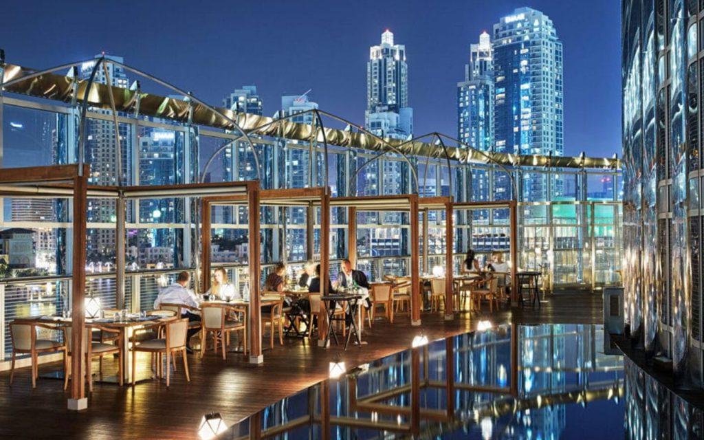 مطاعم برج خليفة من الداخل