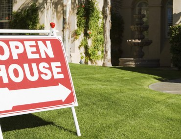 how to hold an open house event