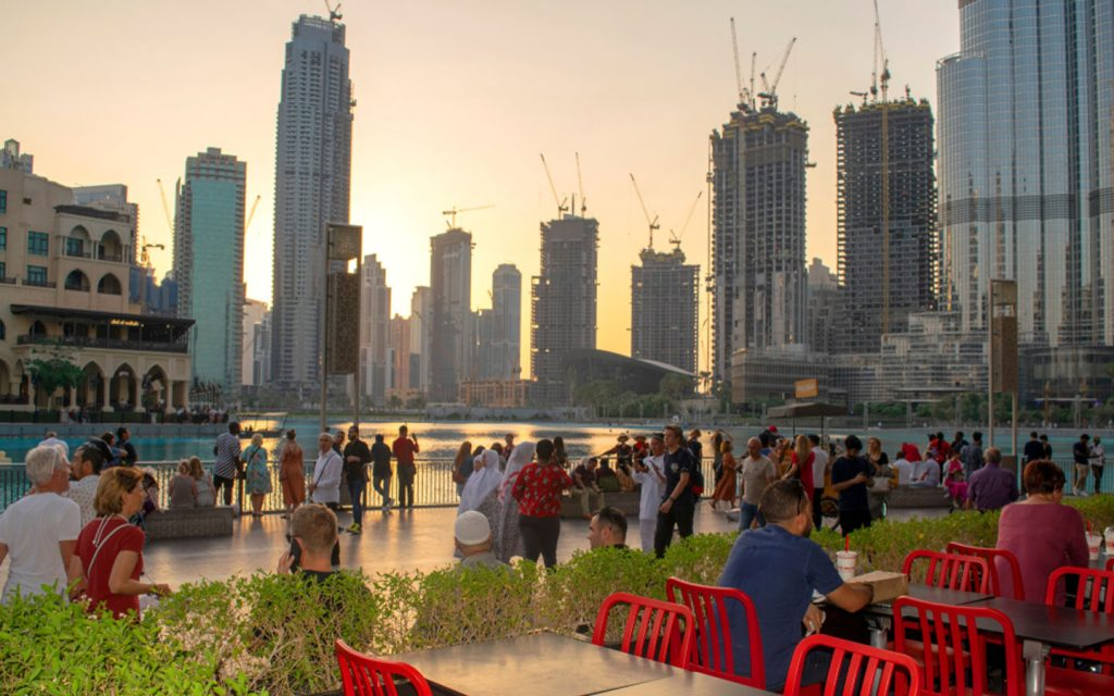 Outdoor cafe in Downtown Dubai