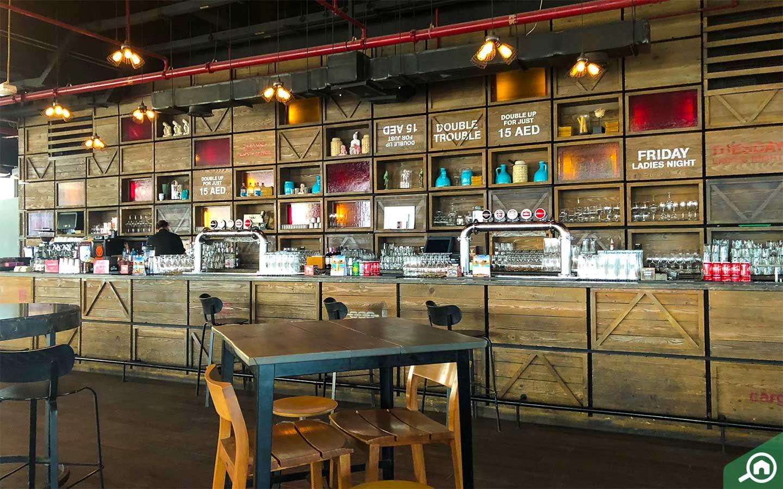This 7 pier Cargo restaurant offers Asian cuisine.