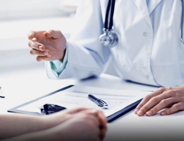Patient and clinical specialist during a consultation