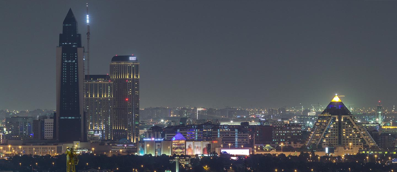 مدينة دبي الطبية ليلاً