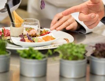 معاهد تعليم الطبخ في دبي