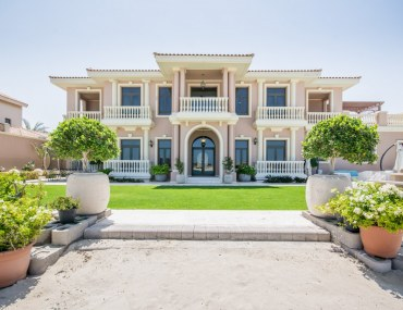 ARTISTIC 6-BED VILLA WITH OPEN SEA VIEWS ON PALM JUMEIRAH FFOR SALE WITH ENGEL & VOLKERS