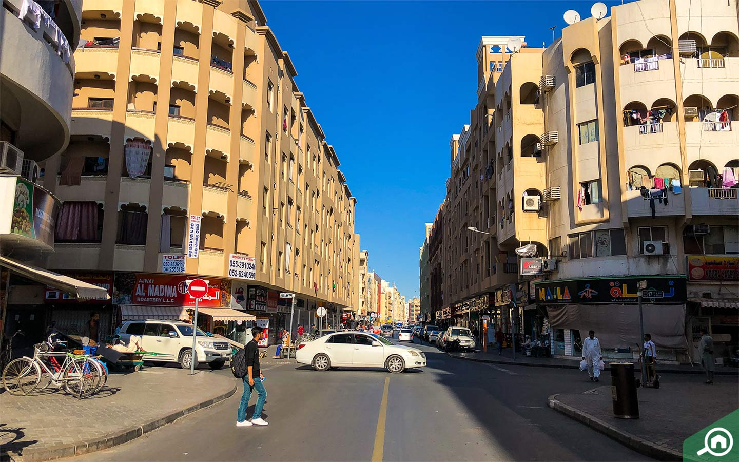 View of the streets and flats for rent in Al Murar