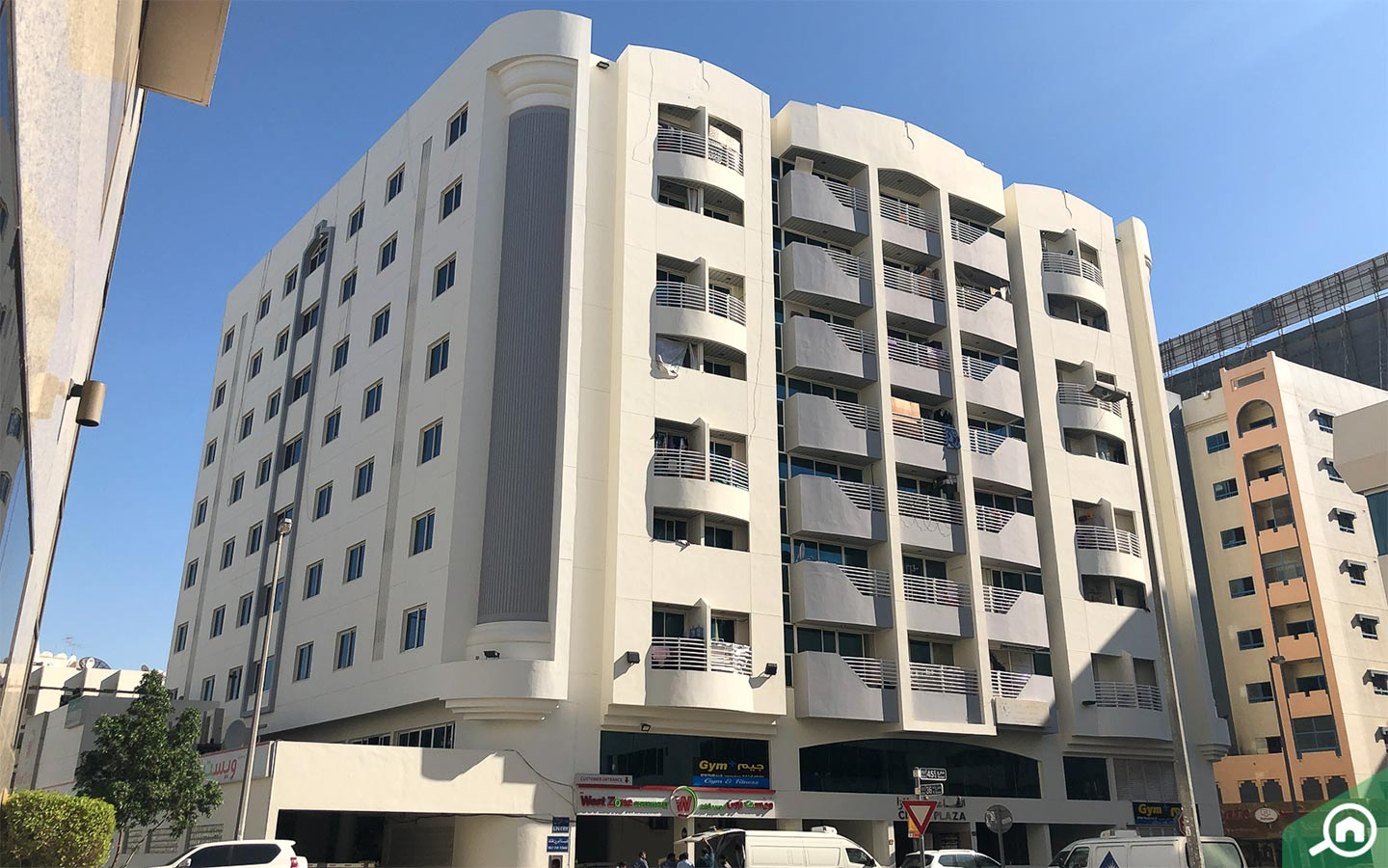 Flats in Naif for renting in Deira