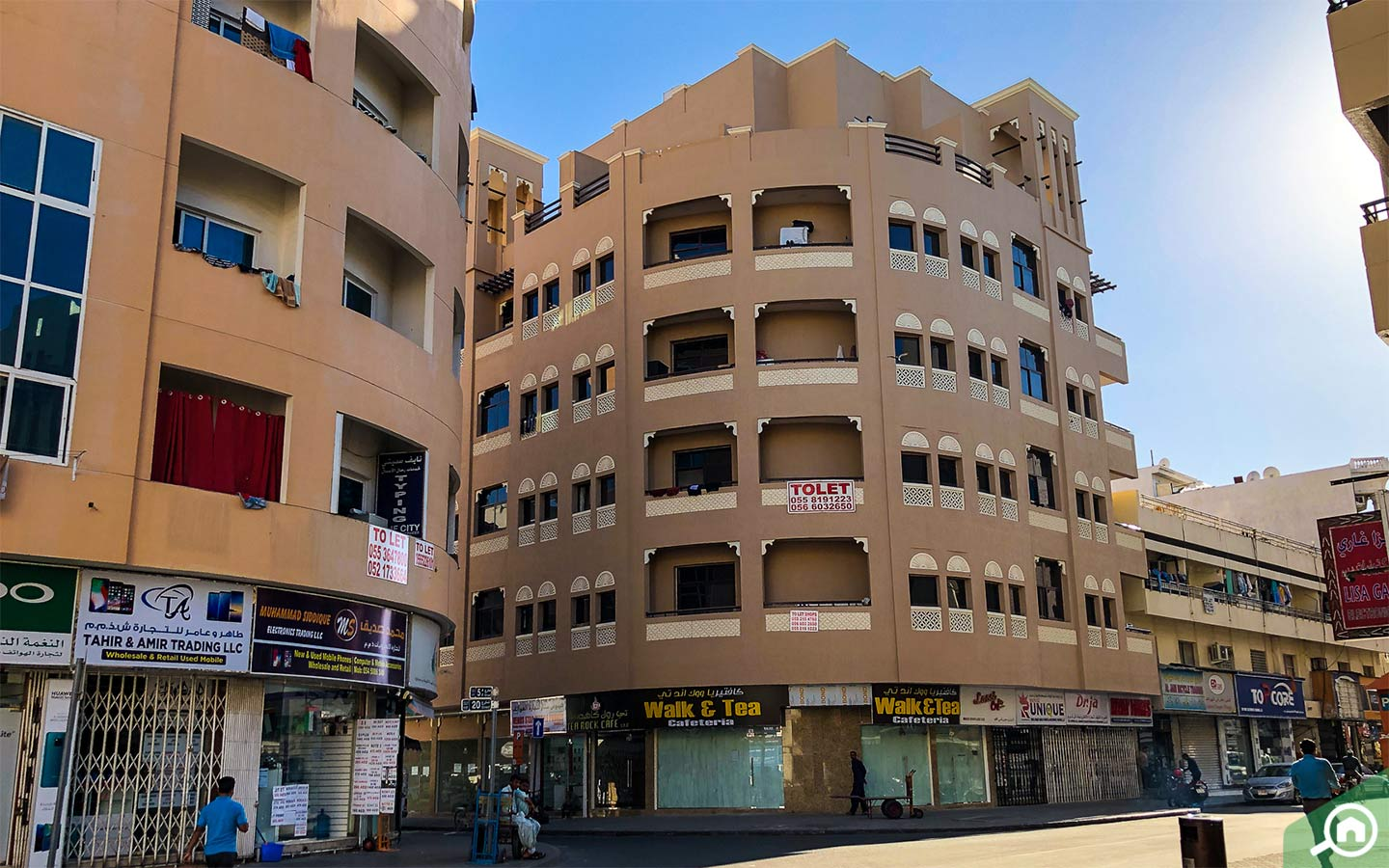 Exterior View of Flats for rent in Hor Al Anz and streets