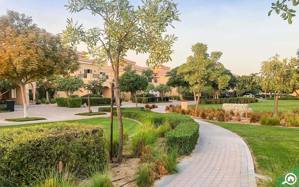 Landscaping and villas in Dubailand, which offers 4-bedroom villas for sale in Dubai
