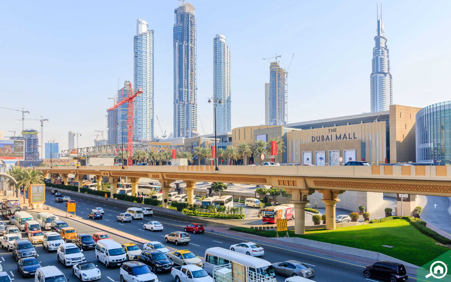 The city consists of many malls such as Ibn Battuta Mall and Mall of the Emirates