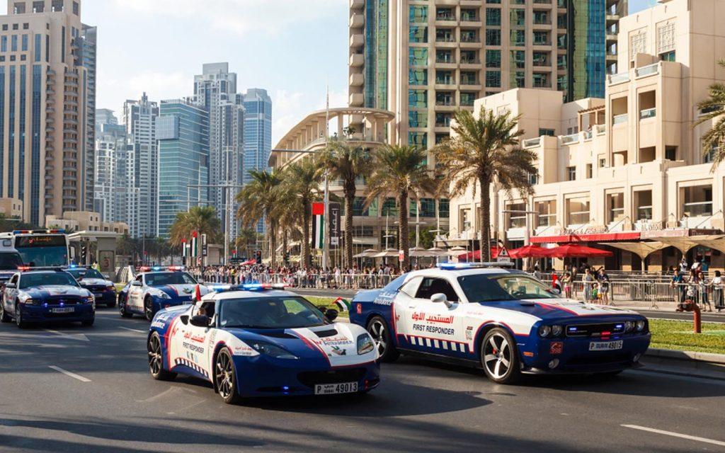 سيارات شرطة فاخرة في دبي
