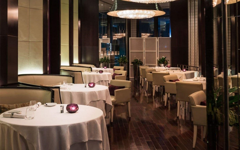 Nusret Dubai Karte.Top 10 Celebrity Chef Restaurants In Dubai Mybayut