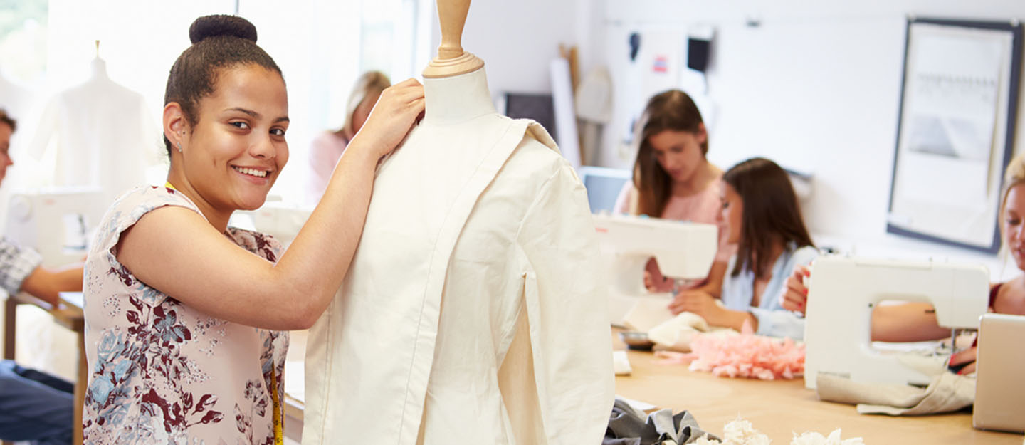 Fashion Designing Courses In Dubai Esmod Didi Cfd And More Mybayut