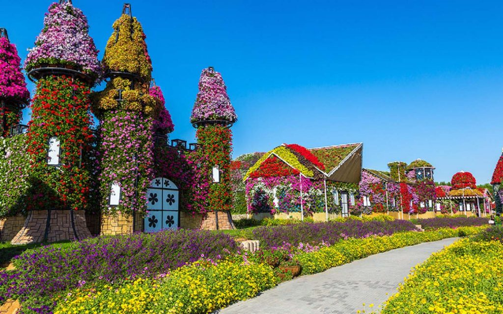 Floral Castle at Dubai Miracle Garden
