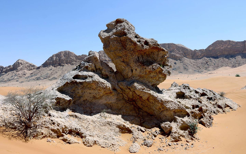 Best UAE Camping Spots: Banan Beach, Wadi Sana, Jebel Jais - MyBayut