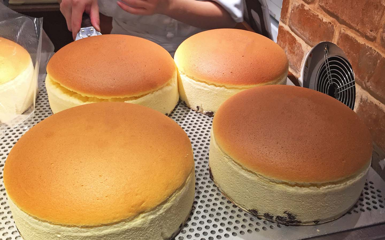 Fresh Japanese cheesecakes in Dubai ready for sale