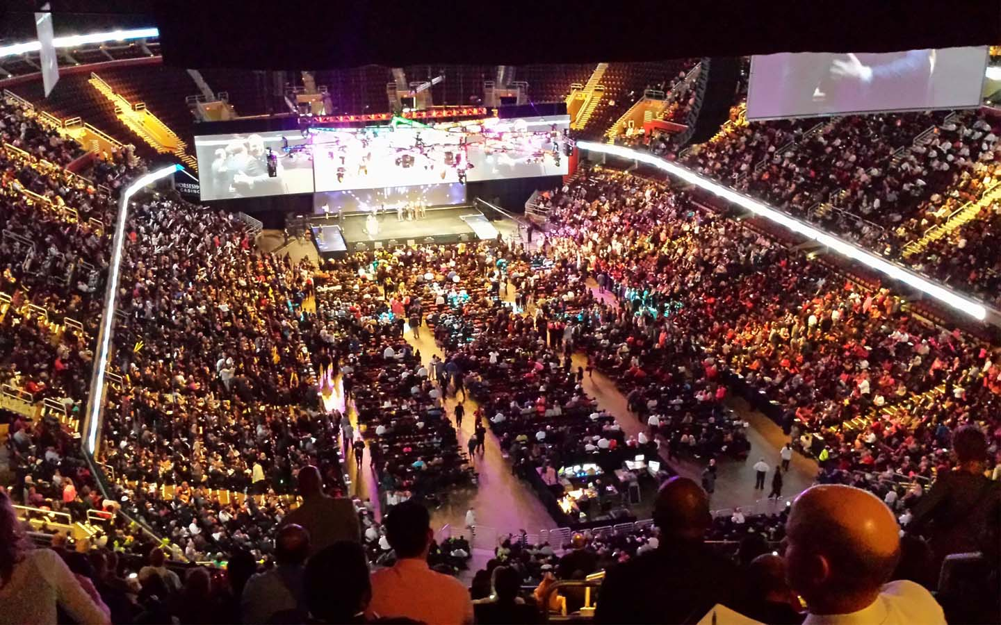 Stadium full with audience similar to stand up comedy in Dubai shows