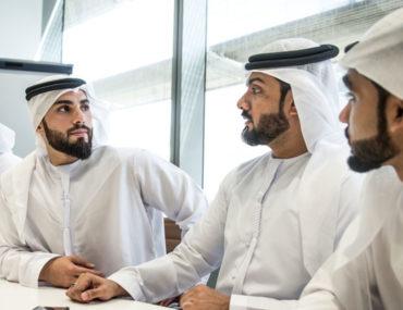 شباب اماراتي
